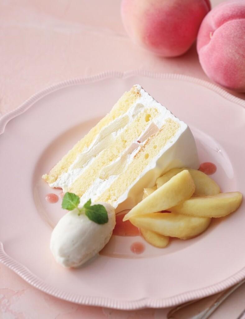 キハチカフェ 白桃のショートケーキ バニラアイス添え