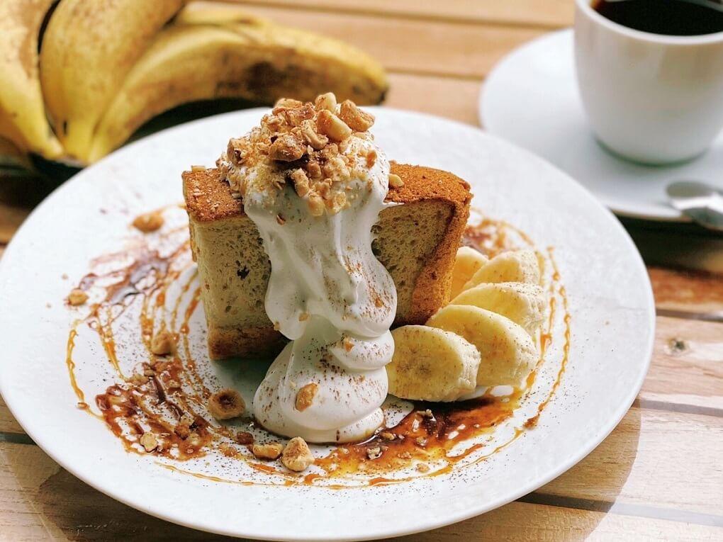 café dining nurikabe バナナキャラメルナッツのシフォンケーキ