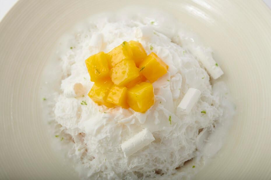 エンポリオアルマーニカフェ表参道 南国フルーツのかき氷