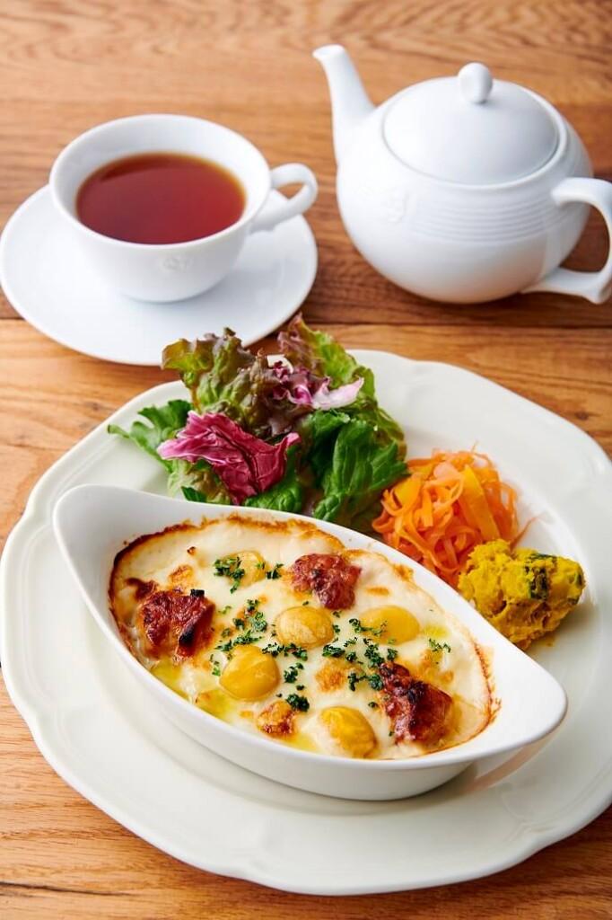 Afternoon Tea TEAROOM 栗とローストチキンのドリア