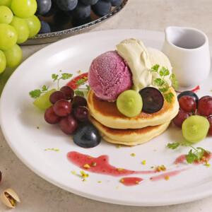 【期間限定】カフェココノハで秋限定「ぶどうとピスタチオのパンケーキ」とクリームパスタを発売!