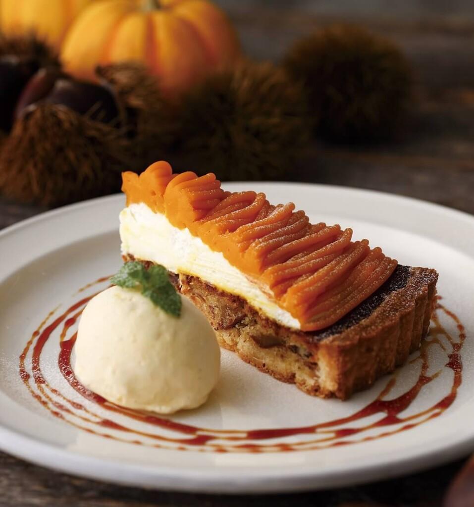 キハチカフェ 栗とかぼちゃのタルト バニラアイス添え