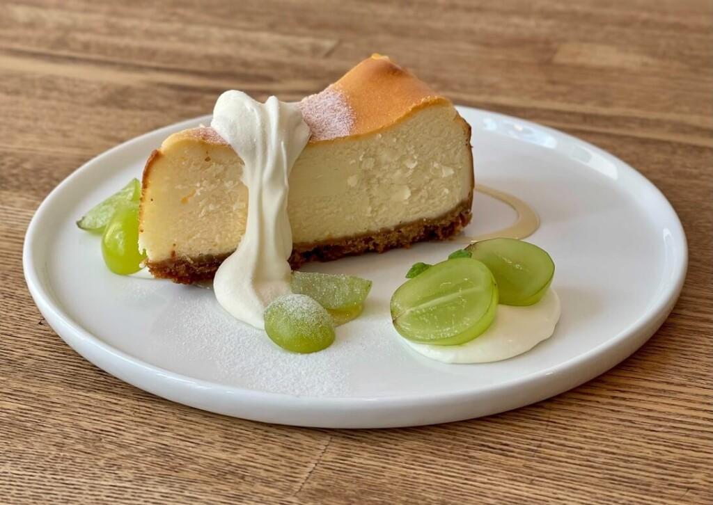 シャインマスカットのチーズケーキ