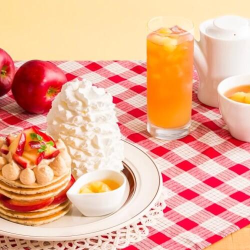 エッグスンシングス 『りんごと紅茶のパンケーキ』と『アップルダイスシナモンティー』